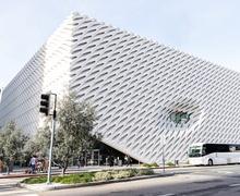 Архитектур нь статик байх ёстой юу? Кинетик барилга байгууламжийн боломжууд