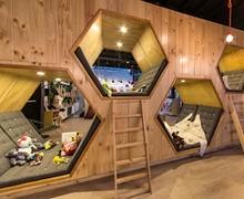 Тохилог кафе + Номын дэлгүүр = Шинэ шийдэл