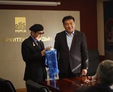 """Архитекторуудаас анхны """"Монгол Улсын гавьяат багш"""" цолтон төрлөө"""