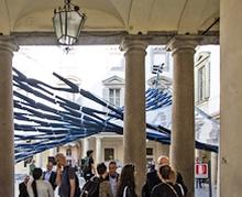 Миланд 300 хос өмдөөр хуучны түүхэн барилгыг чимжээ
