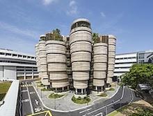 Өвөрмөц архитектуртай их сургуулийн барилга