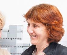 Архитектурын хамгийн нэр хүндтэй шагналыг анх удаа хоёр эмэгтэй хүртжээ
