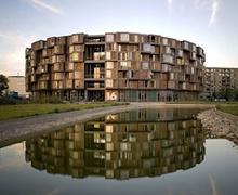 Их сургуулийн барилгын сонгодог жишээ Данид бий