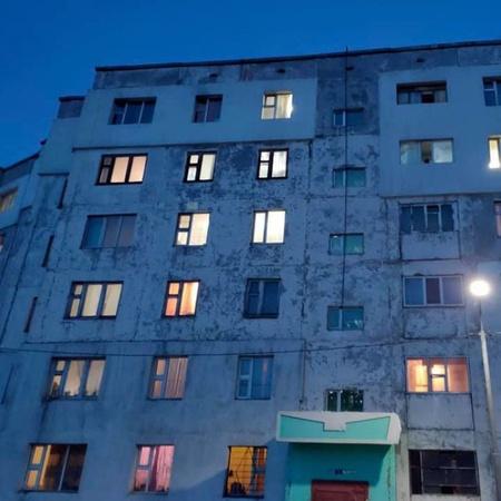 БГД, 6-р бичил хороололд  угсармалд 101мкв 5 өрөө орон сууц худалдана.