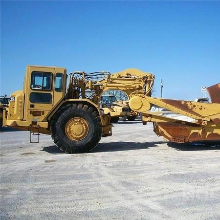 Cat - Wheel Tractor Scraper 621G