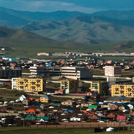 Налайх дүүрэг 700мкв зуслангийн газар худалдана.