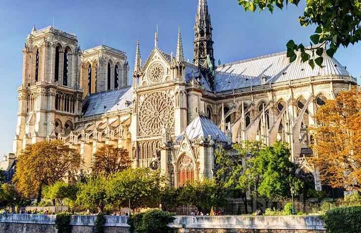 Парисын алдарт уран барилгууд