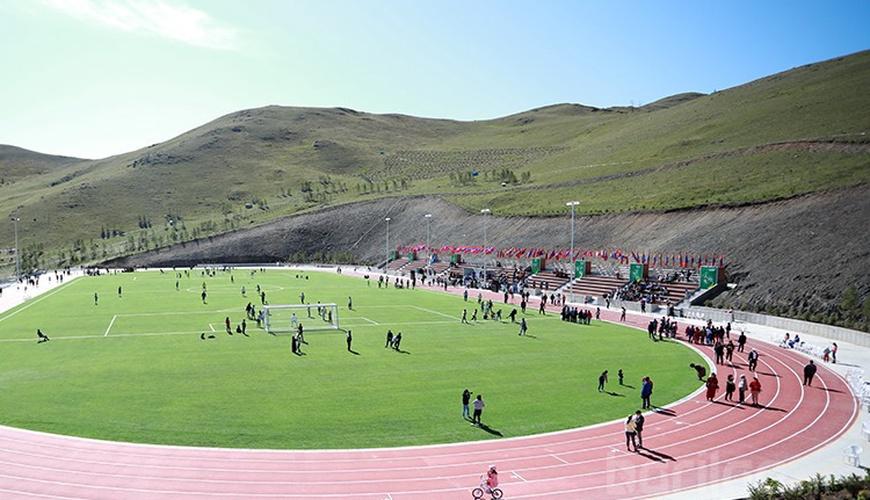 Дэлхийн стандартад нийцсэн хөнгөн атлетик, хөлбөмбөгийн талбай нээгдлээ